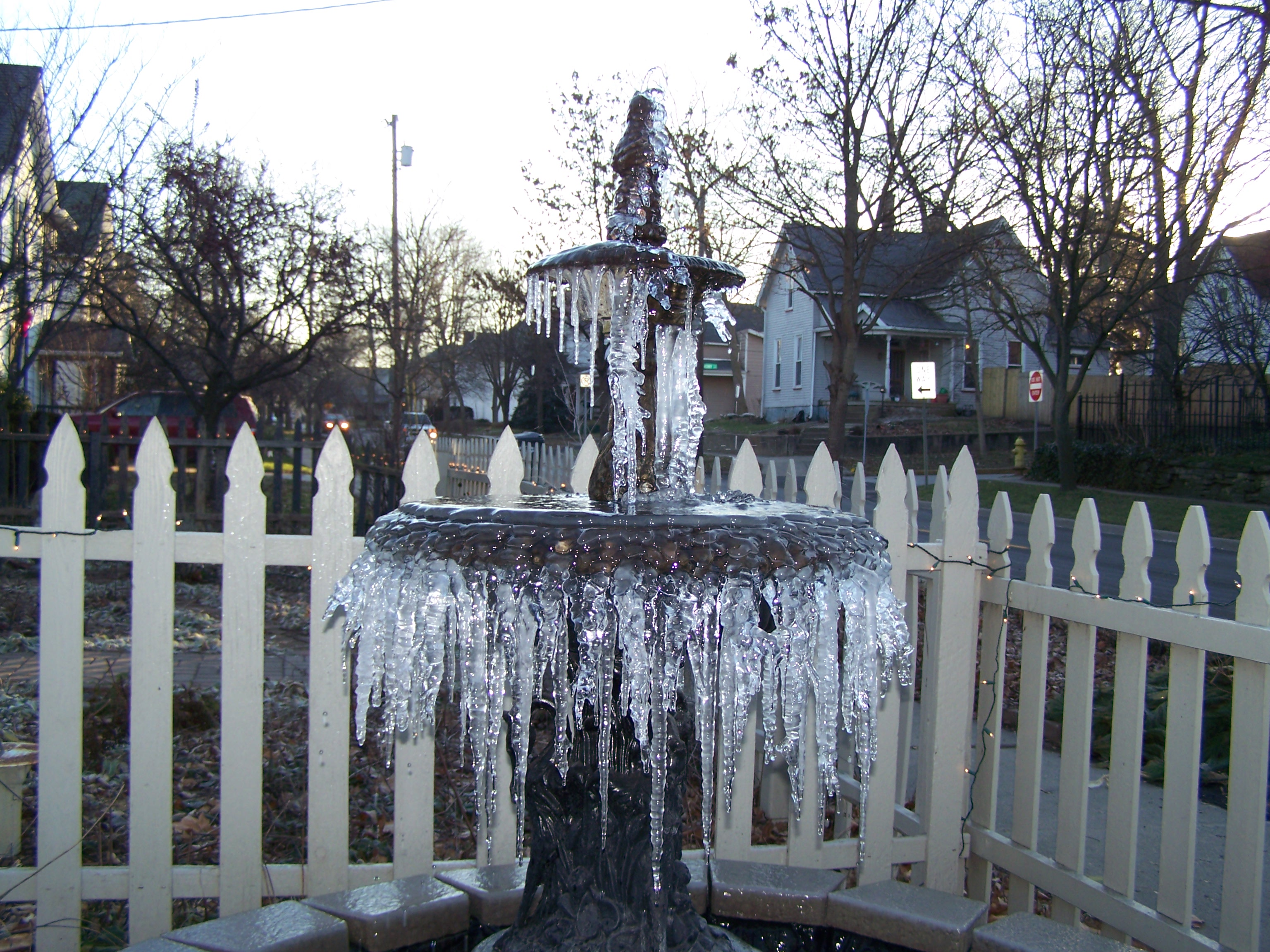 FrozenFountain.JPG